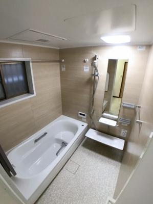 お風呂の写真です♪ 浴室乾燥機付きお風呂になります♪