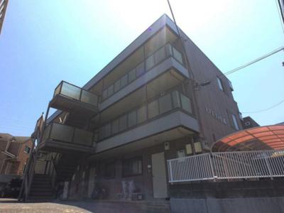 相鉄線「希望ヶ丘」駅より徒歩2分のアパートです。