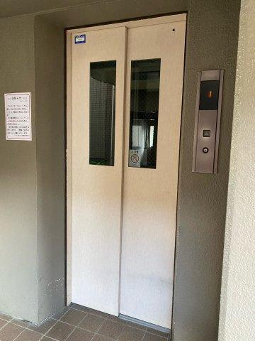 共用部 エレベーター