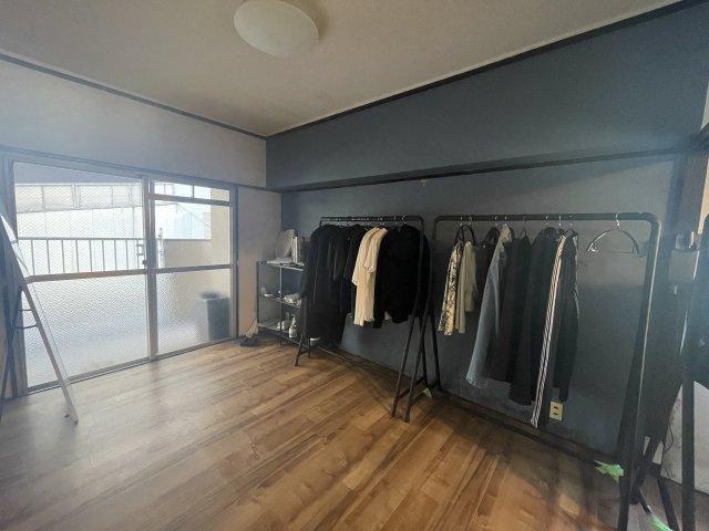 リビングダイニングとつながった快適な和室のお部屋。様々な用途にお使いいただけます。 リフォームで洋室に変更することもできます♪
