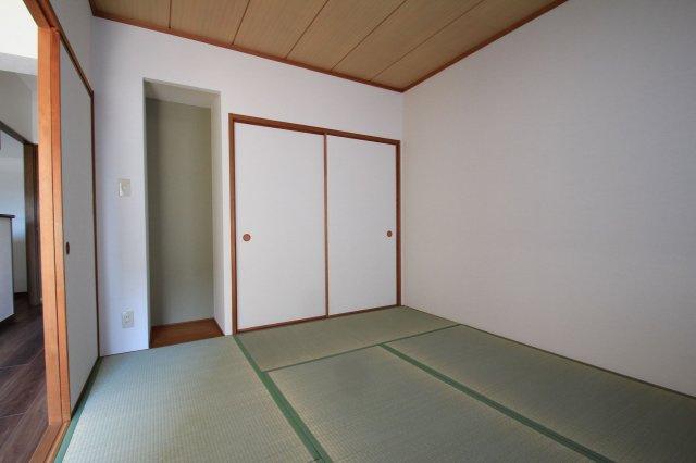 リビングダイニングとつながった快適な和室のお部屋。様々な用途にお使いいただけます