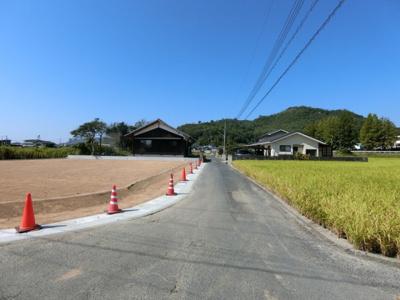 北側前面道路は幅員約3m