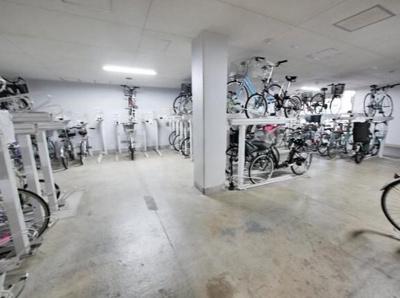 レクセル荻窪の駐輪場です。