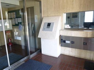 ライオンズマンション東長崎第2のエントランスです。