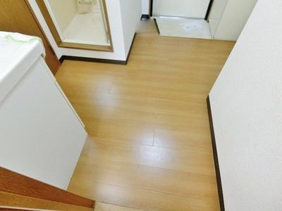 居室~玄関2