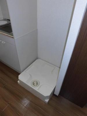 室内洗濯機置場。