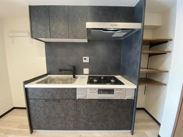 システムキッチン 3口コンロ シャワーヘッド付き 浄水器付き