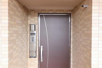 【玄関】Fステージ赤嶺ステーション