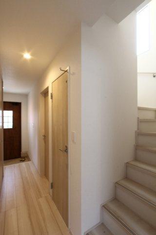 設計・建設性能評価付き、湿気や地震に強いベタ基礎を採用など安心して大切な家族が長く住めるお住まいです。