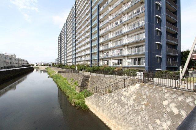 2008年2月築 462戸のビックコミュニティで共用施設充実の中古マンションです