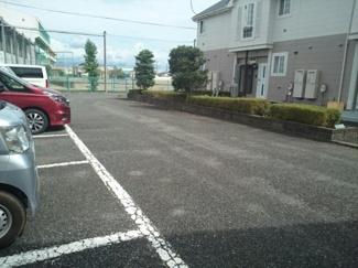 【駐車場】ソフィーナひがし野