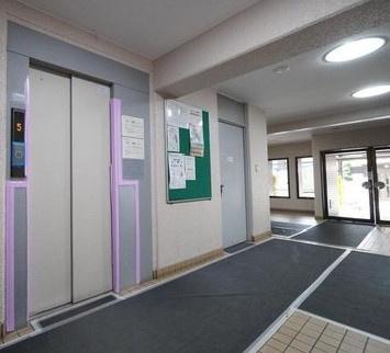 日商岩井マンション金町のエレベーターです。