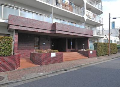 日商岩井マンション金町のアプローチです。
