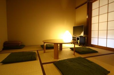 【和室】紫野上柏野町 中古戸建