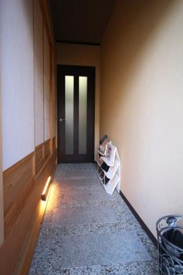 【玄関】紫野上柏野町 中古戸建