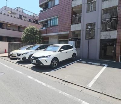 ユニーブル戸越銀座リ・ノヴァスの駐車場です。