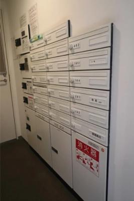 ユニーブル戸越銀座リ・ノヴァスの宅配ボックスです。