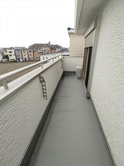 【バルコニー】茨木市中総持寺町 新築未入居 一戸建