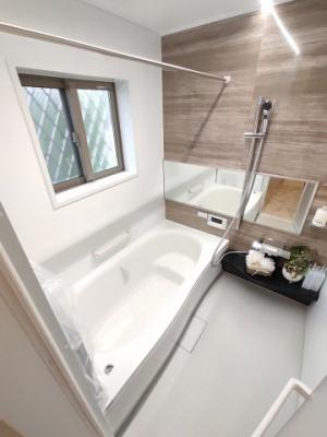 【浴室】茨木市中総持寺町 新築未入居 一戸建