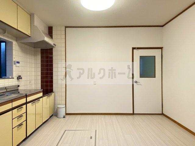 【キッチン】高井田4LDK戸建て