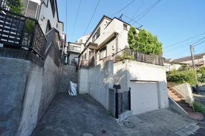 相鉄線「和田町」駅徒歩約8分に立地する戸建物件です