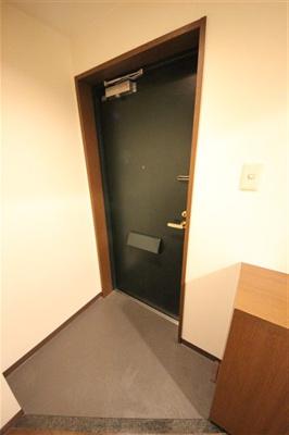 【玄関】プレサンス西心斎橋