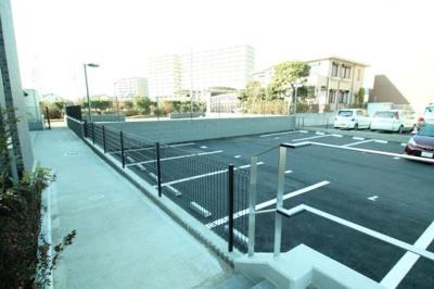 舗装駐車場(要空き確認)