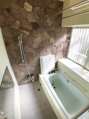 お風呂の写真です♪ ミストサウナ、浴室乾燥機付きお風呂ですよ♪