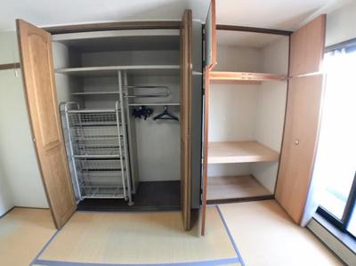 2階和室の収納です♪ 収納スペースも広くございますよ♪