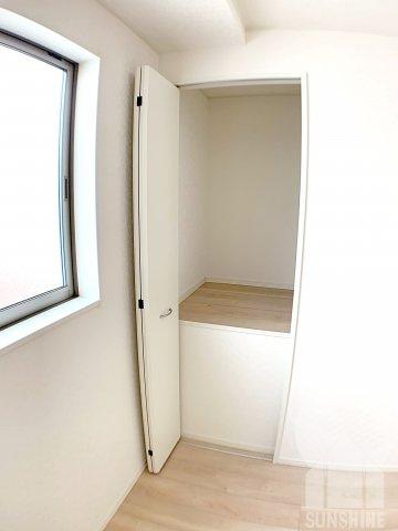 洋室5.0帖:各居室に収納スペースをしっかり確保。