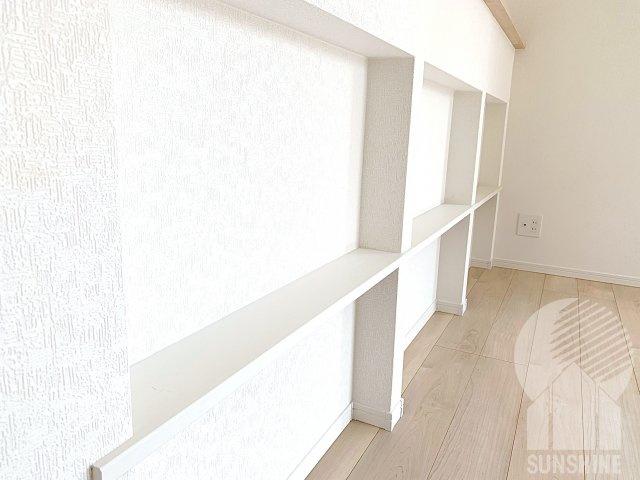 キッチンカウンターも有効活用で収納スペースとしてご使用可能!