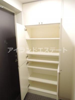 【収納】ラ・カーサ・セレナータ 駅近 2人入居可能 デザイナーズ賃貸