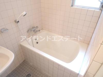 【浴室】ラ・カーサ・セレナータ 駅近 2人入居可能 デザイナーズ賃貸