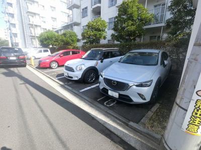 平置き駐車場です。
