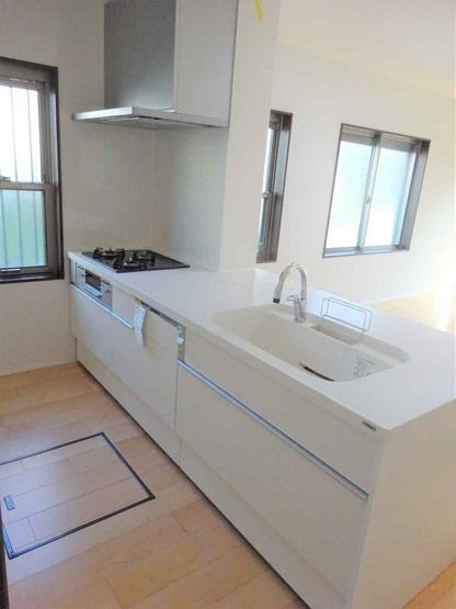 食洗機付きシステムキッチン新調☆床下収納完備♪