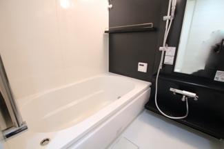 鏡が大きく使いやすい洗面所♪