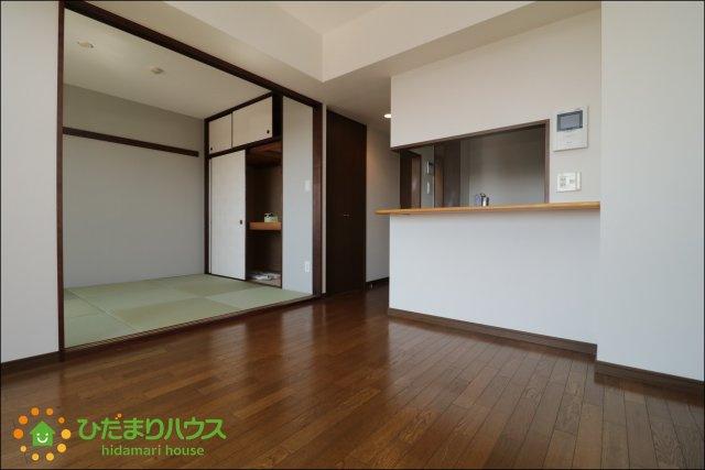 リビングと続き間の和室はお洒落な琉球畳!!