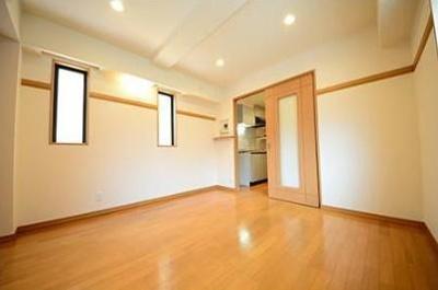 6.7帖のきれいな洋室。