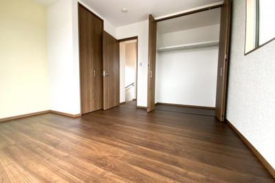 《洋室7.2帖》収納は2ヶ所にあるので、ご夫婦の寝室にいかがですか?