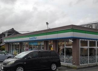 ファミリーマート碧南鶴見町店まで500m