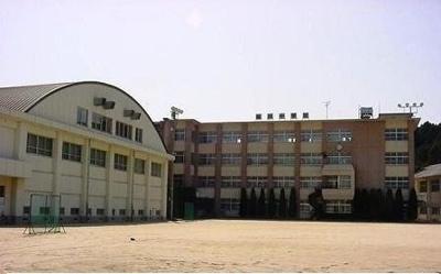 今治市立桜井中学校まで950m