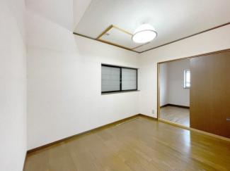 【洋室】南寺方北通二丁目 中古戸建