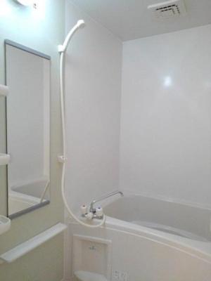 【浴室】ヴィラ・アミティⅤ