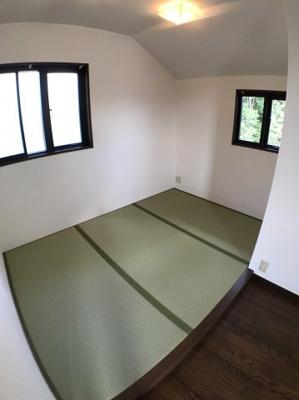 2階LDK横の約3帖の畳コーナーになります♪