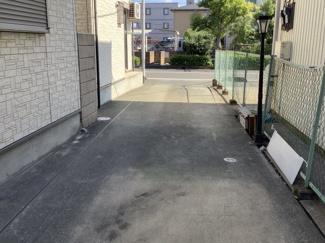 カースペースは4台分駐車可能(車種によります)