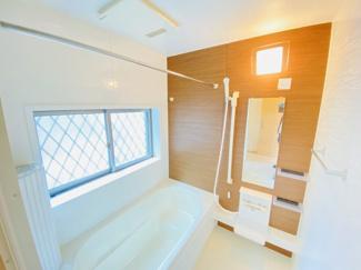 千葉市稲毛区小仲台 中古一戸建て 稲毛駅 浴室換気乾燥機・追い焚き機能付きのお風呂です!