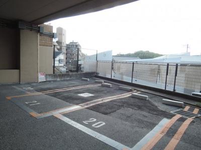 【駐車場】アロンジェビラージュ