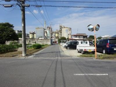 【前面道路含む現地写真】熊谷市三ヶ尻 710万 土地