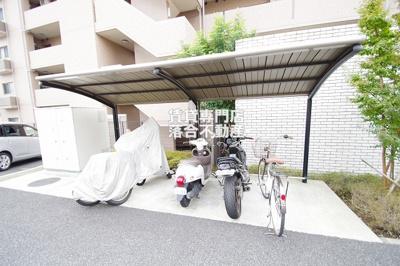 駐車場、バイク置場、自転車