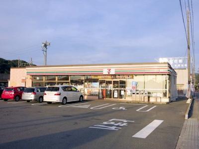 セブンイレブン 岡崎本宿町店まで300m